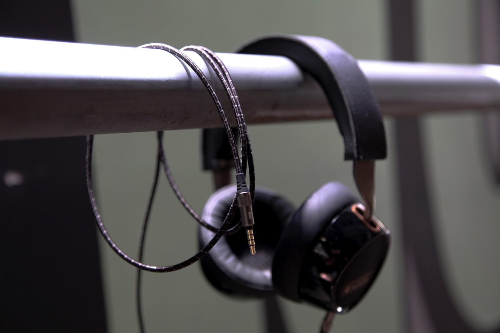 AF240 over-ear headphones
