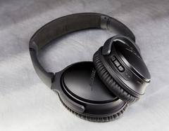 Bose QC35 headphone