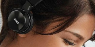 AKG wireless headphone