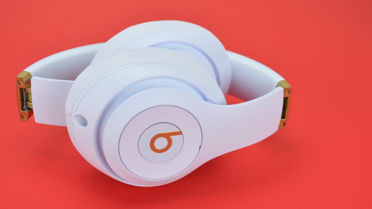 Beats Studio 3 Wireless Folded