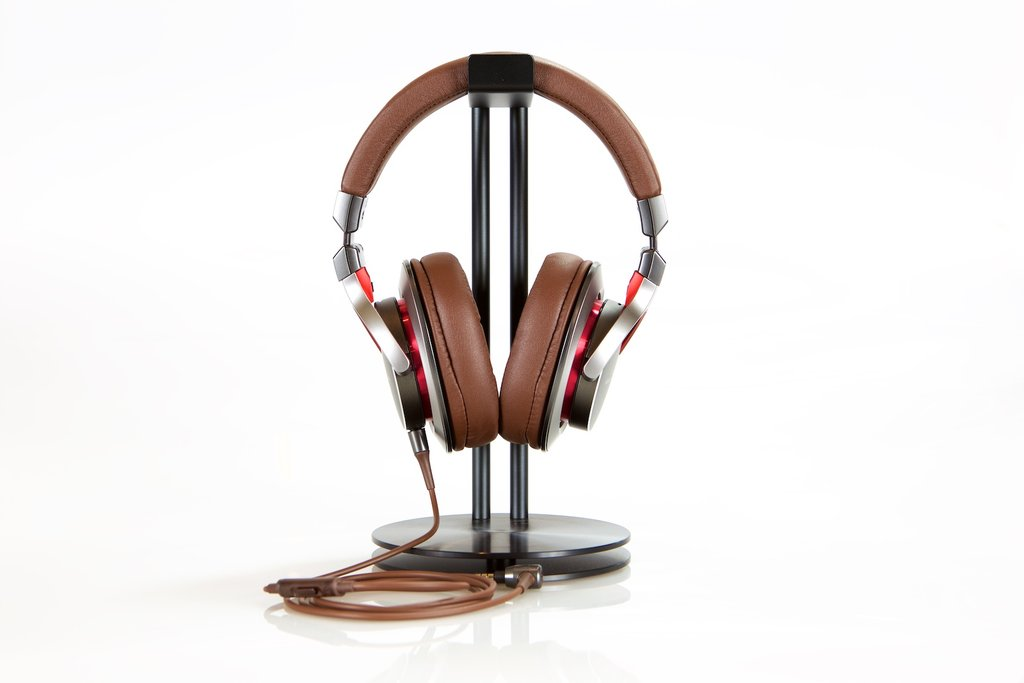 HeadRoom Reviews the New Audio Technica ATH-MSR7 Headphone