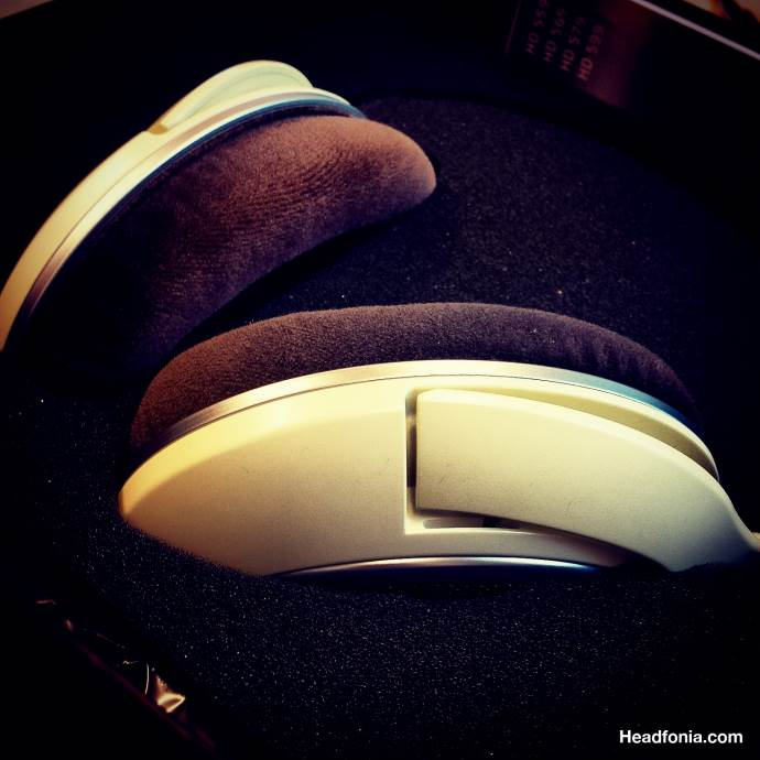 Review: Sennheiser HD599 – One Up!