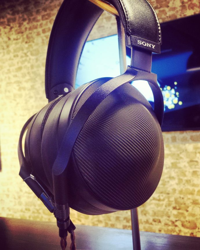 Picture Sunday: Sony MDR-Z1R